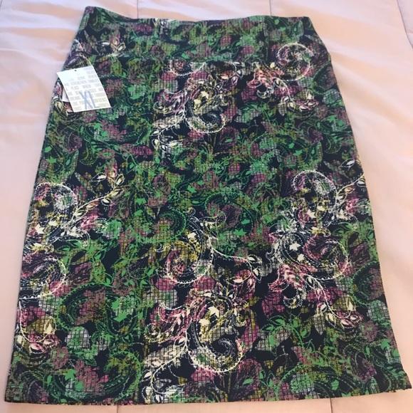 LuLaRoe Dresses & Skirts - Lularoe Cassie (x-large)